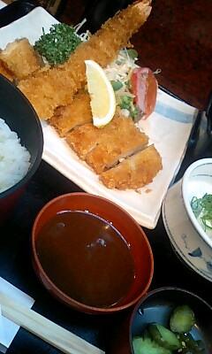 割烹「吉野」のミックスフライ定食