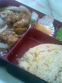 中華料理「眠龍」のチャーハン弁当(酢豚)
