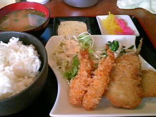 やきとり「司」のシーフードフライ定食