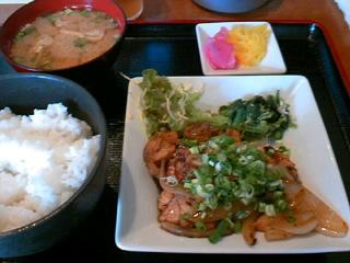 やきとり「司」の鶏の照焼き炒め定食
