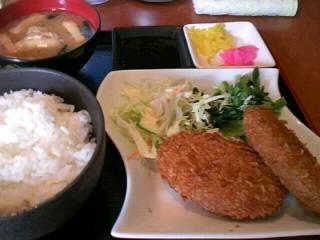 やきとり「司」のお肉屋さんのコロッケ定食