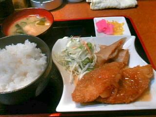 やきとり「司」の白身魚フライの甘酢あん定食