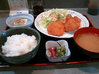 スタンディングバー「辻倶楽部」の ヒレかつ定食
