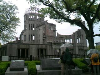 広島市内を散策です