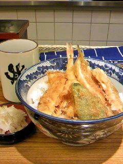 丼丼亭のにぎわい天丼