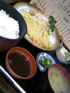 割烹「吉野」の豚カツ定食