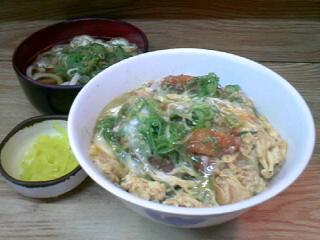 麺スタンド「天つる」のかつ丼セット
