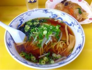 中華料理「京華」のラーメンセット
