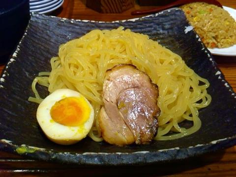 らーめん熊五郎の冷しつけ麺の半チャンセット