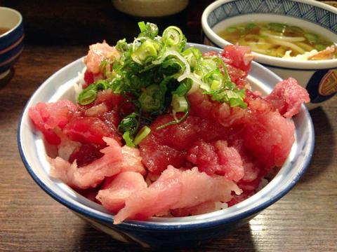海鮮すなおや食堂のまぐろの中落ち ねぎ塩丼