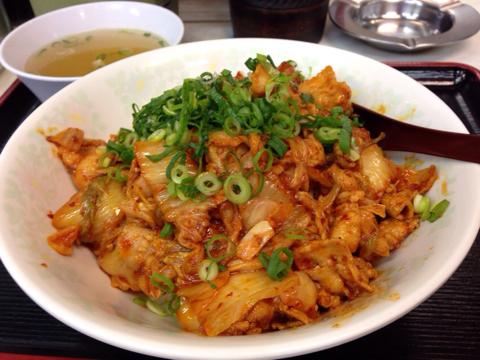 中華料理 味悟空の豚キムチ丼