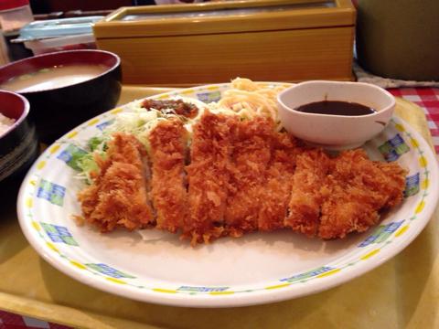 カレーハウス五番館のチキンカツ定食