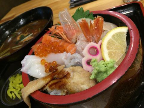 海鮮れすとらん 魚輝水産の海鮮丼