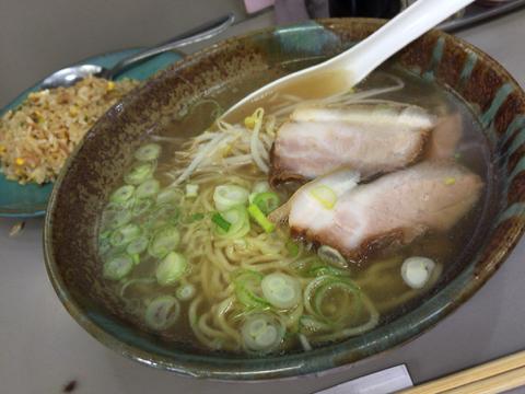 中華料理 大養軒のラーメン&半炒飯