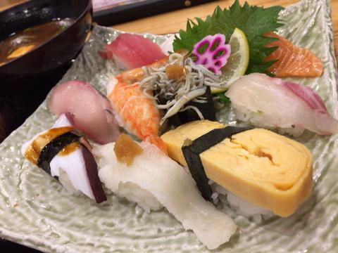 海鮮れすとらん 魚輝水産の日替り寿司ランチ