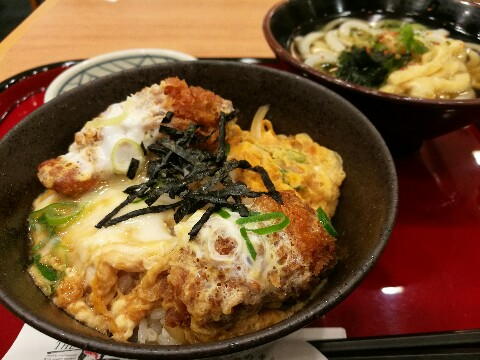 The丼 ベルファ都島店の小盛り牡蠣とじ丼