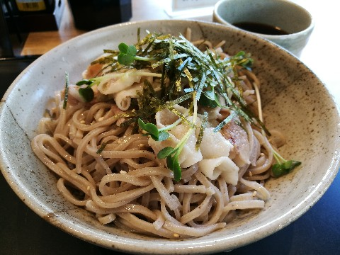アカマル屋 新大阪店の豚つけ蕎麦
