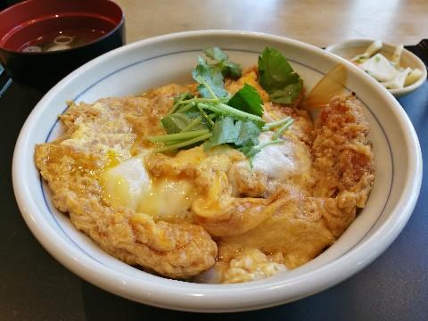 アカマル屋 新大阪店のかつ丼