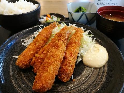 アカマル屋 新大阪店のエビフライ定食