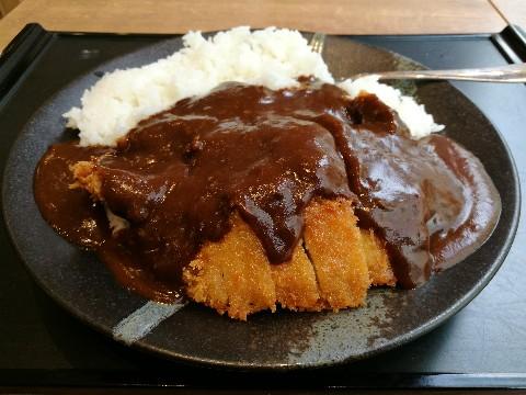 アカマル屋 新大阪店のカツカレー