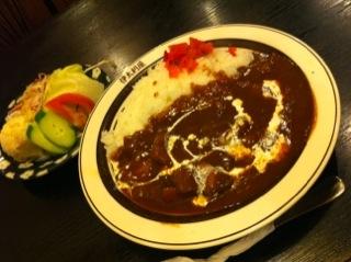 今日の昼ご飯は居酒屋「伊太利屋」でハヤシライスを頂きました(^o^)